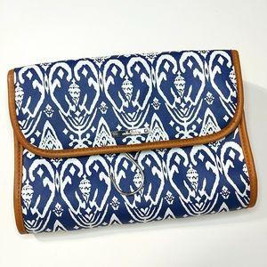 Stella & Dot Tri-fold Hang On Carry Case Blue Ikat